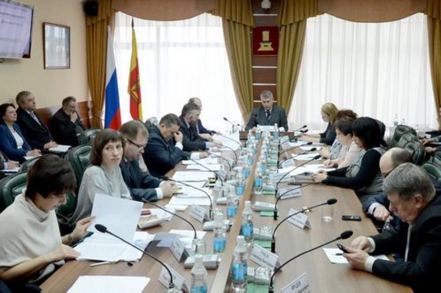 Концепцию промышленной политики в регионе обсуждают в ЗС