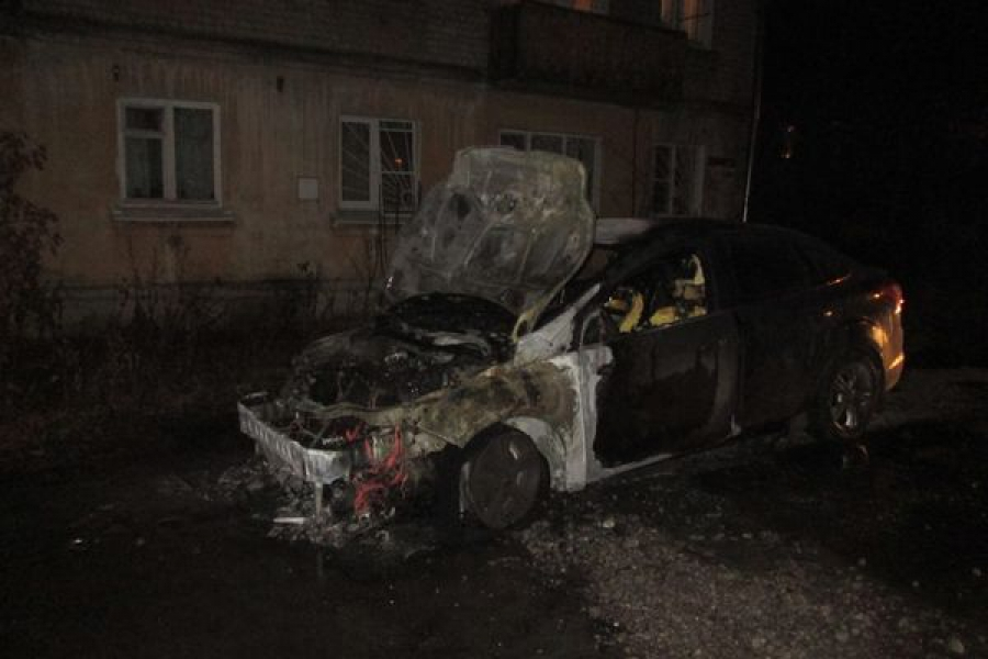 В Кимрах был сожжен автомобиль