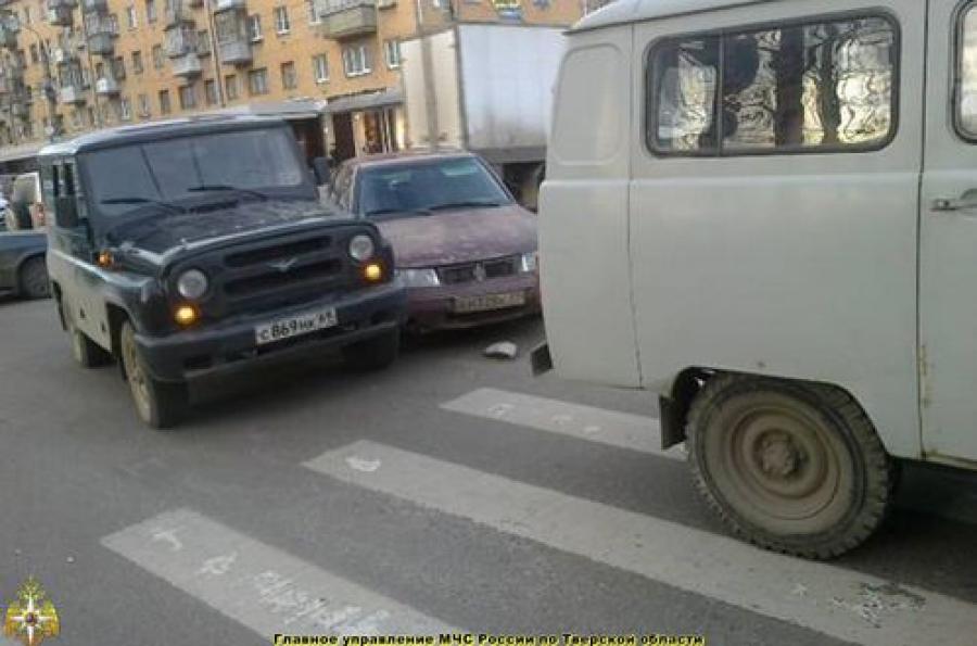 Пять автомобилей столкнулись утром в Твери