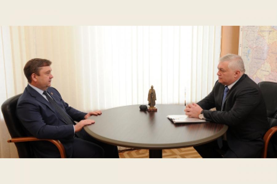 Губернатор обсудил с мэром Вышнего Волочка пути развития города