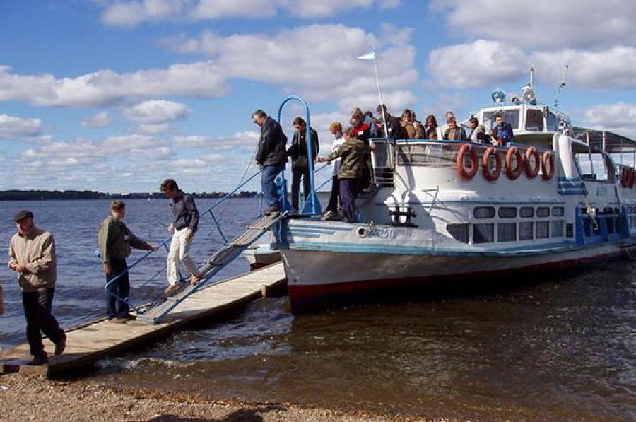 Социальные маршруты водного транспорта в двух районах области поддержат из областного бюджета