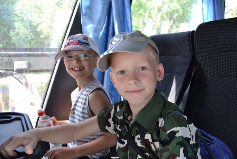 Загородные лагеря принимают первую смену отдыхающих школьников