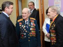 Губернатор Андрей Шевелев и ветераны ВОв