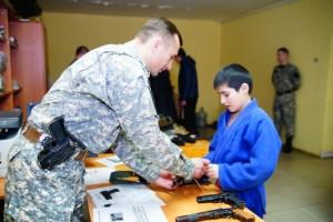 Сотрудники СОБРа продемонстрировали выставку оружия