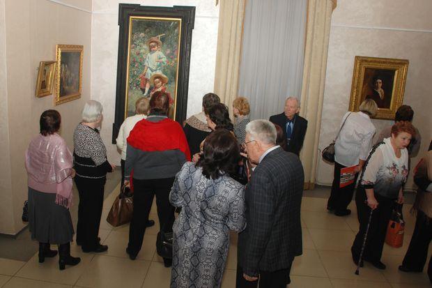 Выставка Маковских
