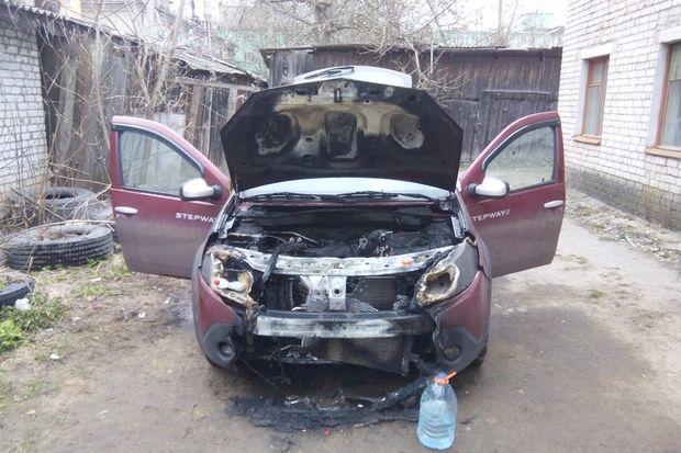 Пожар в автомобиль_Вышний Волочек_2104