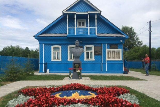 03-07-дом-сталина1