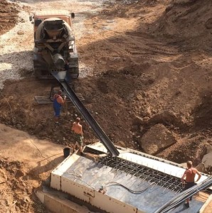 16 июля 2015 года: работы по восстановлению водопропускной трубы продолжаются