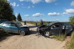 Два автомобиля столкнулись на автодороге в Селижаровском районе