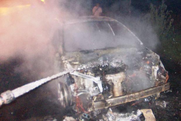 12-08-пожар-авто