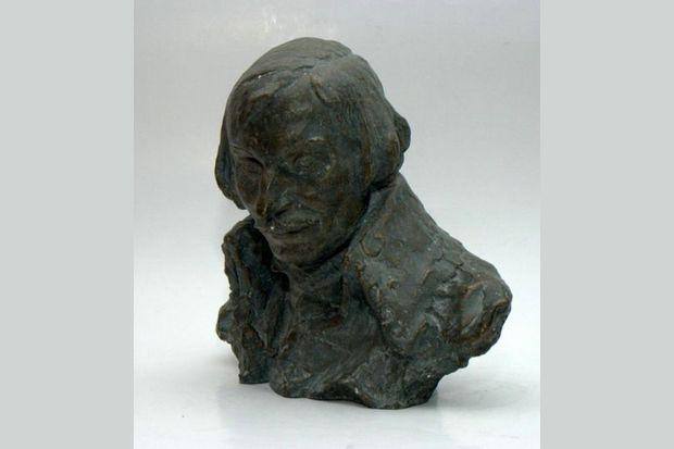 скульптурный портрет Гоголя