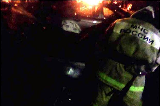 22-12-пожар-авто