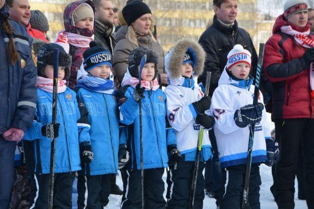 23-01-хоккей на волге1