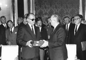 Михаил Горбачев и Войцех Ярузельский
