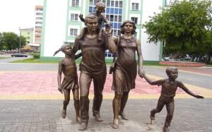 Скульптура Семья - картинка