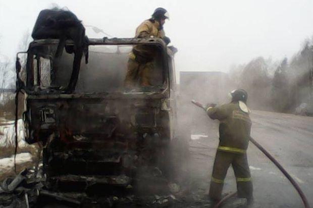 пожар_грузовик_дорога