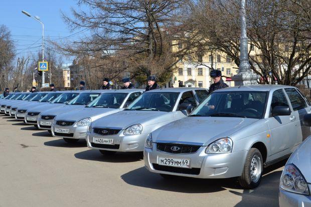 вручение полицейских машин