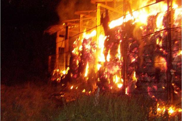 03-09-пожар-сено