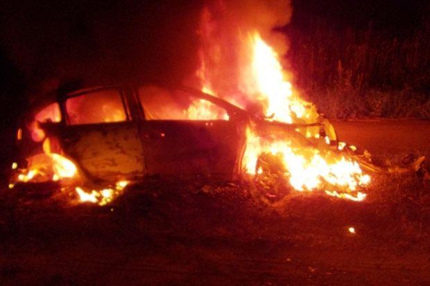 пожар-горит автомобиль