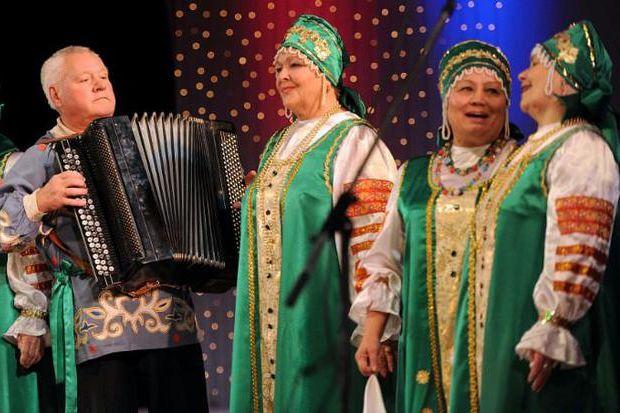 пожилые люди_концерт