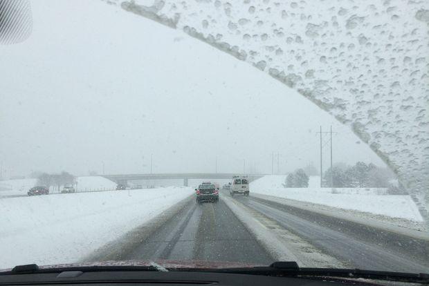 02-11-снегопад-дорога