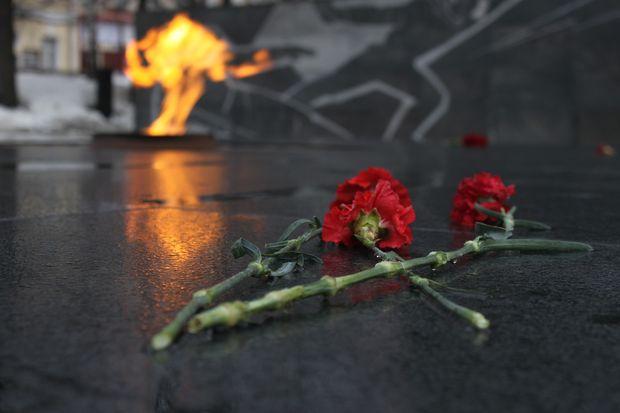 03-11-вечный огонь