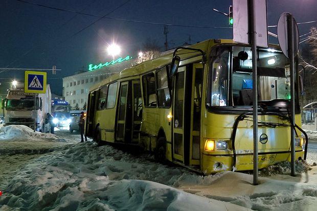 17-12-дтп-автобус1