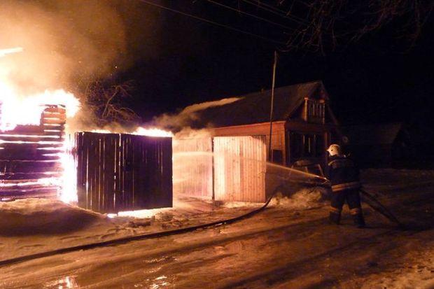 Заночь вТверской области сгорели 2 жилых дома