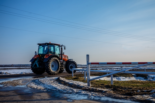 22-03-трактор