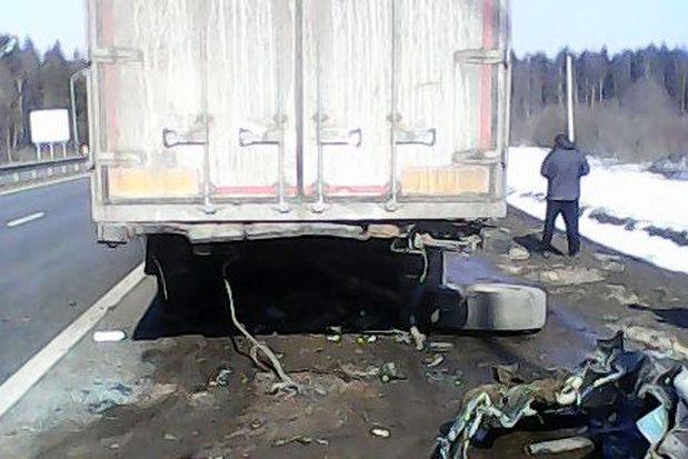 Под Тверью вжутком ДТП погибли два человека