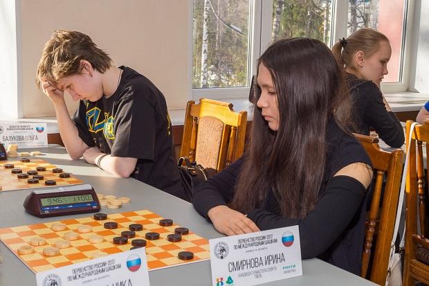 Смирнова Алина-шашки