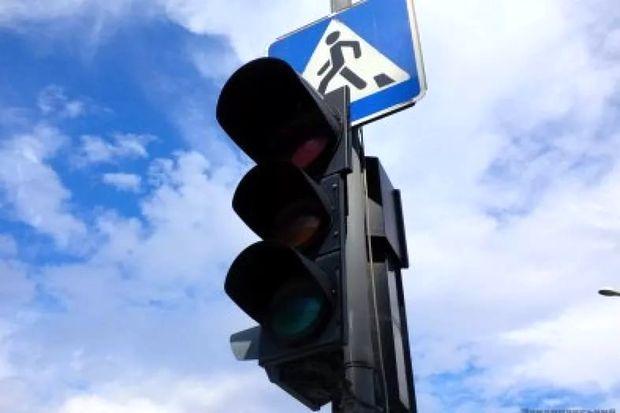 светофор не рабоает