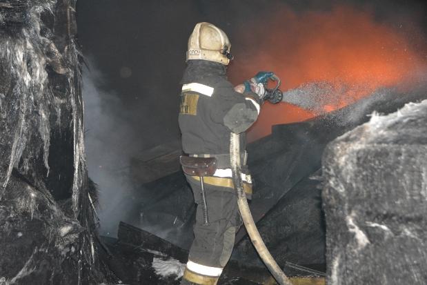 20-04-пожар-склад