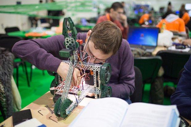 молодые инженеры