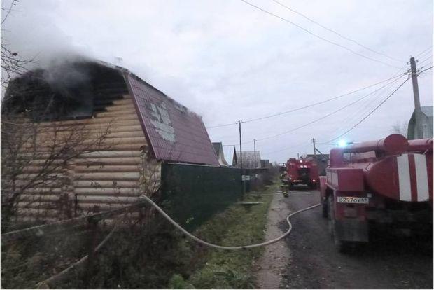 06-11-пожар-баня