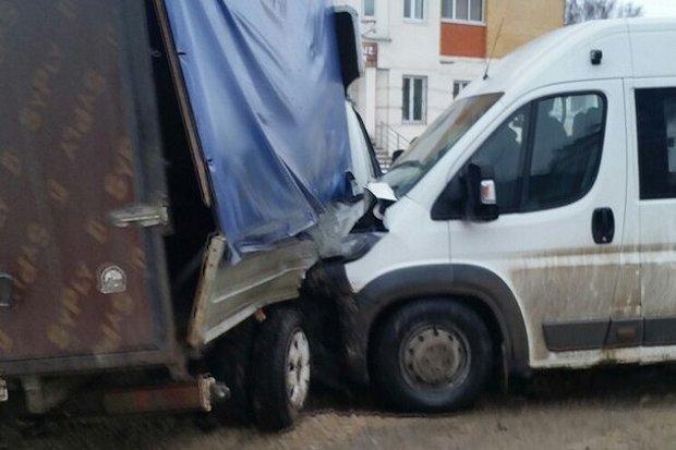 Шесть человек пострадали вДТП сучастием маршрутки вТвери