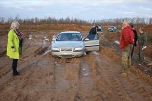 кладбище-ржев-застрявшая машина