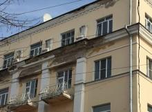 разрушающийся фасад