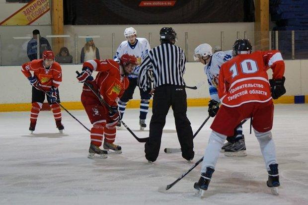 хоккей-спорт глухих