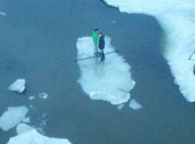 люди на льдине