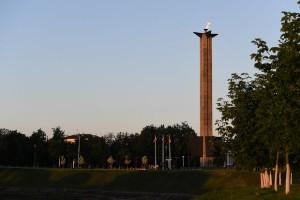 обелиск победы-лето