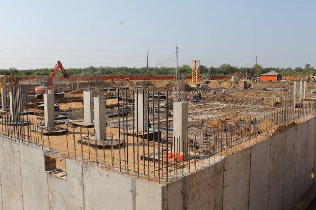 фундамент нового школьного здания
