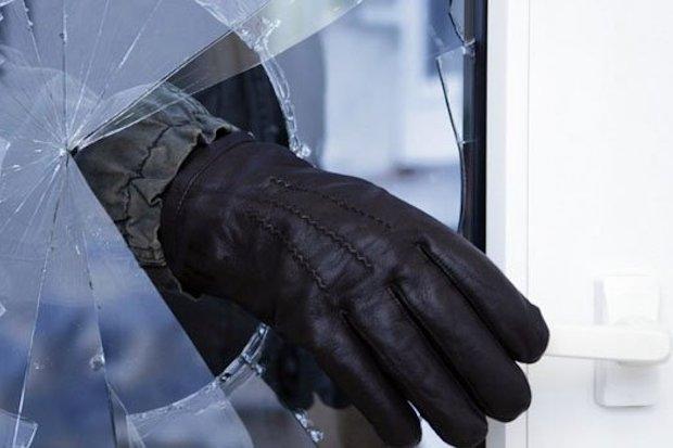 кража-окно-стекло