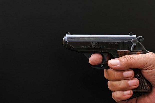 pistol-2515496_960_720-900x599