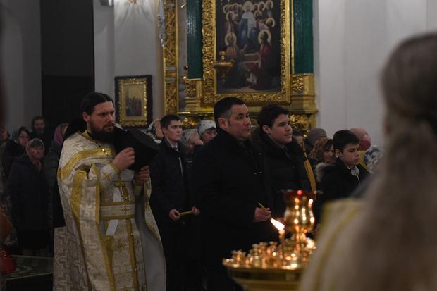 руденя_в_церкви.ky619