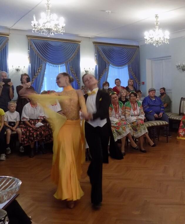 _танцевальая история